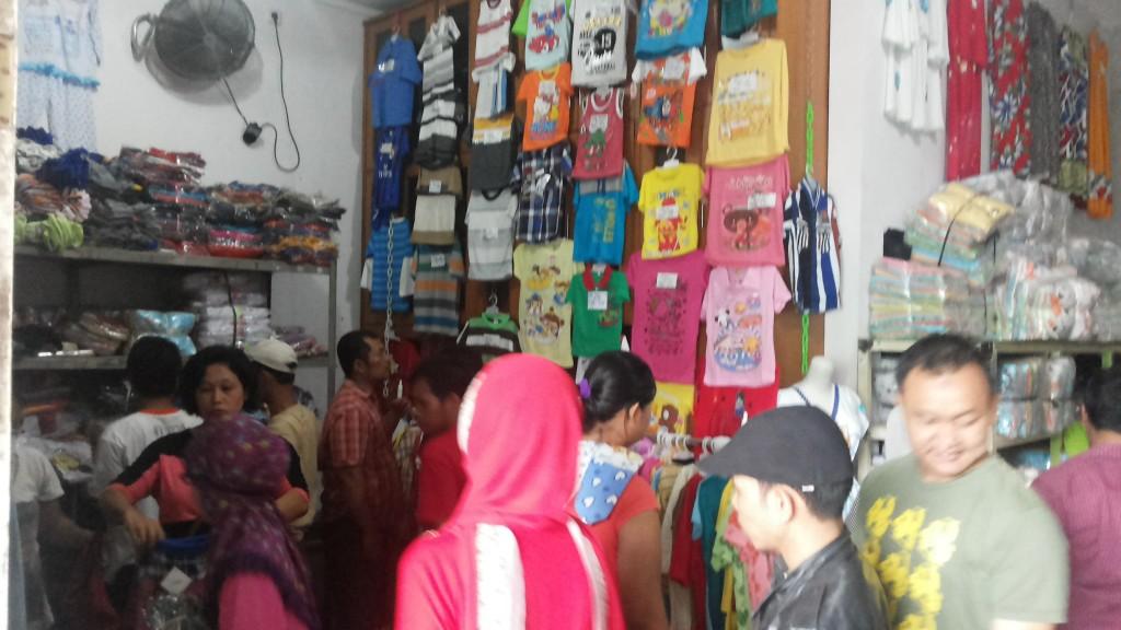 Bisnis Online Jual Baju Murah Sehari-Hari