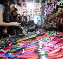 Persaingan Jualan Barang Bekas di Pasar Malem