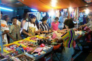 PELUANG USAHA BARU YG BAGUS DI KOTA BANDUNG Wow Jual Barang Bekas di Pasar Malam Bisa Jadi Peluang Usaha